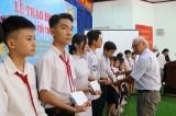 """平阳省劝学协会颁发150份""""助力学生上学""""助学金"""