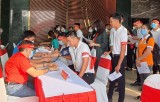 Chương trình hiến máu Chủ nhật đỏ tiếp nhận gần 300 đơn vị máu