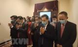 Đảng bộ tại Campuchia dâng hương tưởng nhớ Chủ tịch Hồ Chí Minh