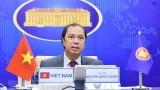 越南外交部副部长与泰国外交部常务书记举行视频会谈