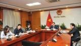 工贸部副部长邓黄安同英国国际贸易部贸易与投资国务大臣汉斯通电话