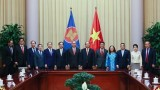 越南国家主席阮春福会见东盟各国驻越南大使和临时代办