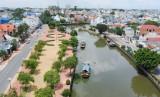 Bóng dáng thành phố ven sông