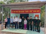 """Ban Chỉ huy Quân sự huyện Phú Giáo bàn giao nhà """"Tình nghĩa quân - dân"""""""