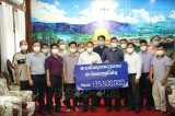 Vietnamese in Laos donate relief supplies to aid local COVID-19 response