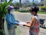 Đà Nẵng phát thẻ đi chợ cho người dân sau khi có 12 ca mắc COVID-19