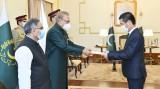 阮先锋大使向巴基斯坦总统递交国书