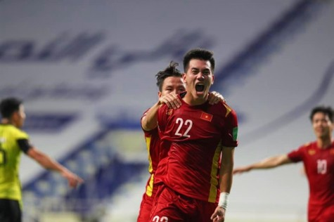 Vietnam wins 2-1 victory over Malaysia, taking huge step to World Cup qualification's third round