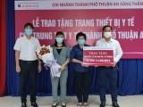 Ủng hộ thiết bị phòng chống dịch cho Trung tâm y tế Thuận An