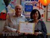 在瑞士越南人和企业向越南新冠疫情防控基金捐款