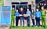 Huyện đoàn Bắc Tân Uyên thăm hỏi, tặng quà thanh niên hoàn lương