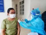 Huyện Dầu Tiếng tiêm phòng vaccine đợt 4 cho người dân
