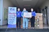 Chi hội Doanh nhân trẻ tặng 200 phần quà hỗ trợ tuyến đầu chống dịch
