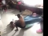 Dẫn giải lên phường người đàn ông đánh đứa trẻ gây xôn xao trên mạng