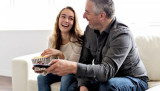 Cách để cha mẹ kết nối với con tuổi vị thành niên