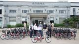 Một doanh nghiệp trao tặng 30 xe đạp điện cho các bệnh viện dã chiến