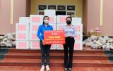 Tặng 4.000 gói thuốc hỗ trợ điều trị F0 và túi quà an sinh